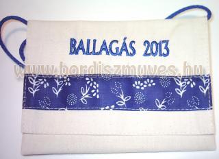 2014 évre is, egyedi vászon ballagó tarisznya kékfestő betéttel, hímzett felirat