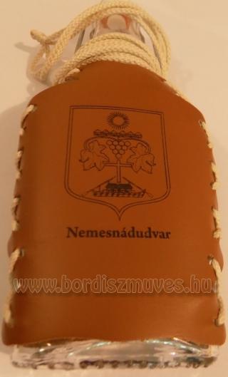 Nemesnádudvar címeres pálinkás butykos lapos üveg