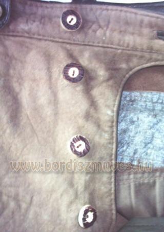 Bőrjavítás bőrnadrág javítás gomblyuk készítés gomblyukazás, bőr nadrág javítás