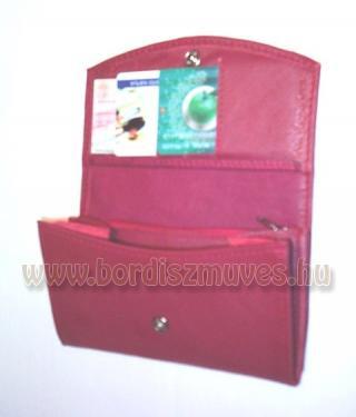 Bordó marhabőrből készített női pénztárca, jól pakolható, kettő sima rekesz