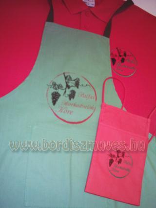 Pálfai borkedvelők köre, promóciós textilek, galléros póló, melles kötény