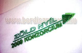 Zöld nyíl 2009 Konzorcium, polár, termó, sálra hímzést vállalunk, bármilyen