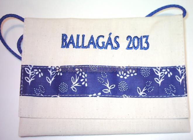 2015 évre is, egyedi vászon ballagó tarisznya kékfestő betéttel, hímzett felirat