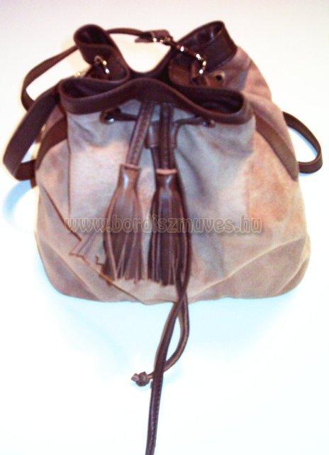 Női táska, hasított és színbőrből készített táska, bélelve, ringlizve, cipzáros