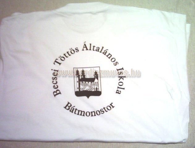 Iskolai póló, mez, ing, tréningruha, felsőruházat stb. szitázása, felülnyomása