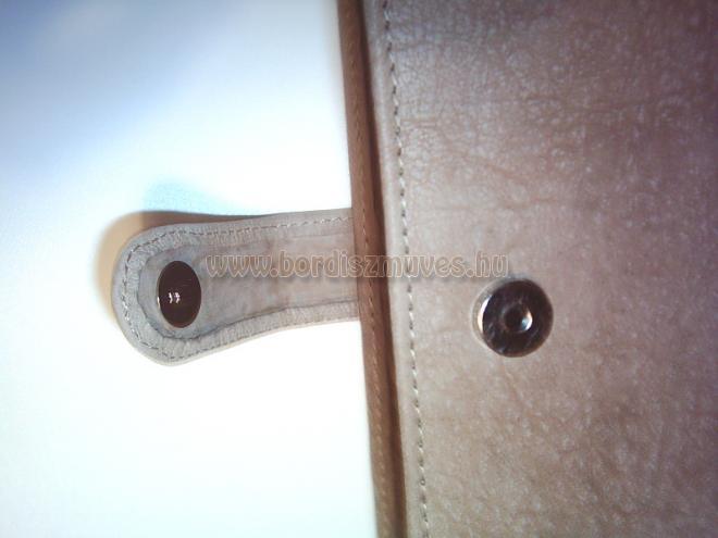 Barna, bukkolt kecskebőr mappa zárófül kialakítás, mágneszárral