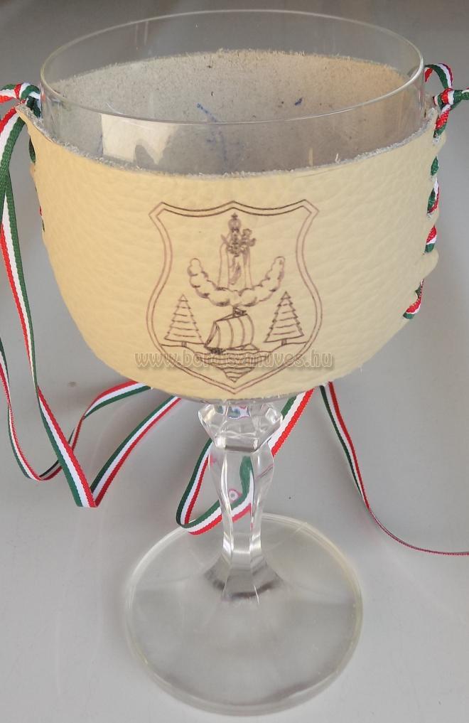 Marhabőr nyakba akasztható pohártartó