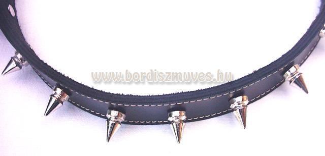 SugoDog® Hegyes szegecses, szegecselt marhabőr nyakörv, pergős csattal, D kariká