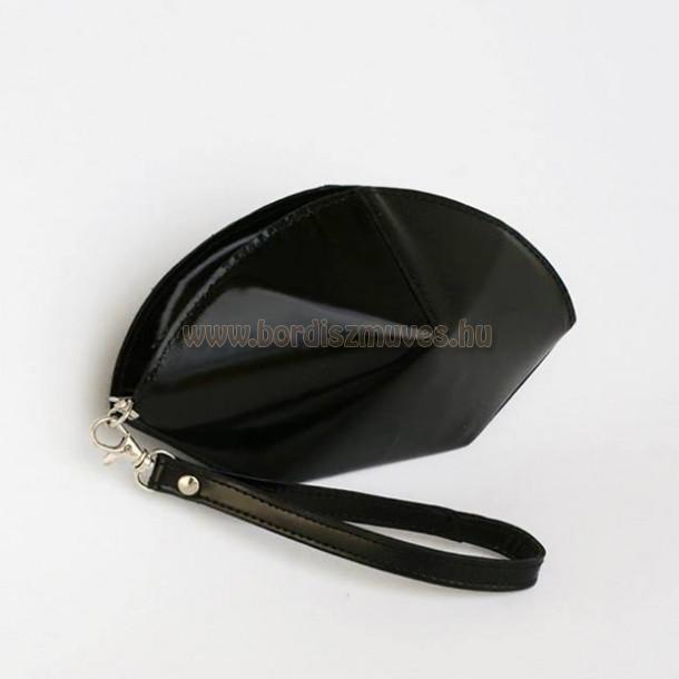 Beango női bőrtáska, kézi táska, készítette Horváth Rita bőrdíszműves vállalkozá
