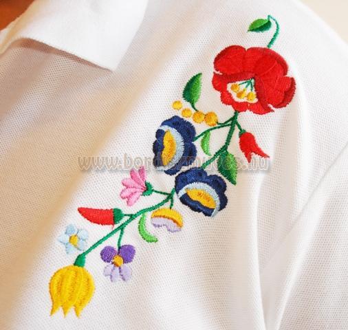 Kalocsai hímzés, kalocsai hímzés minta fehér férfi ing vállára hímzett mintákkal