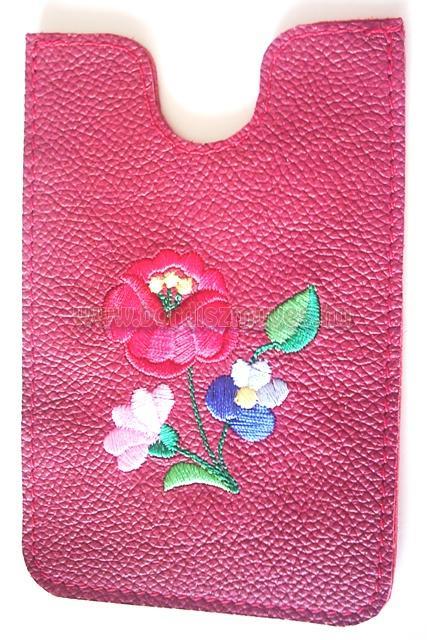 Kalocsai hímzett piros marhabőr telefontok, iphone tok