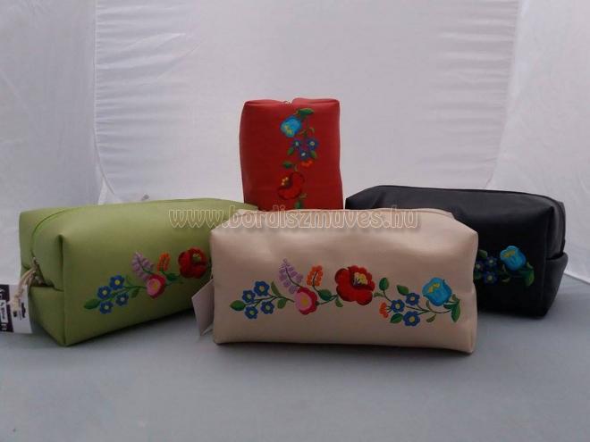 Kalocsai hímzett neszeszer, kozmetikai táska, textilbőr, valódi bőr