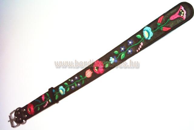 SugoDog®, kalocsai mintával hímzett marhabőr nyakörv, pergős csattal D karikával