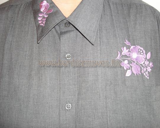 Szomorú kalocsai hímzés, hímzés minta, lila színnel, férfi ingre hímezve